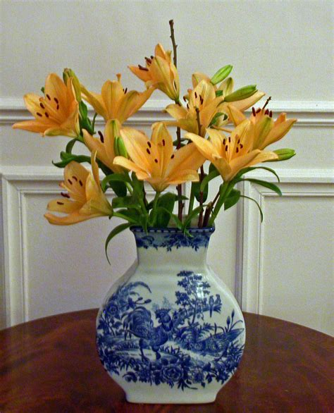 vase with flowers 花瓶 flower lifestyle