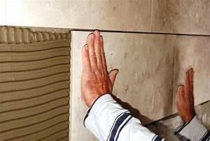 Pose Carrelage Mural Sur Carrelage Existant : pose carrelage sur carrelage existant cheap tuto pose carrelage mural avec pose carrelage mural ~ Melissatoandfro.com Idées de Décoration
