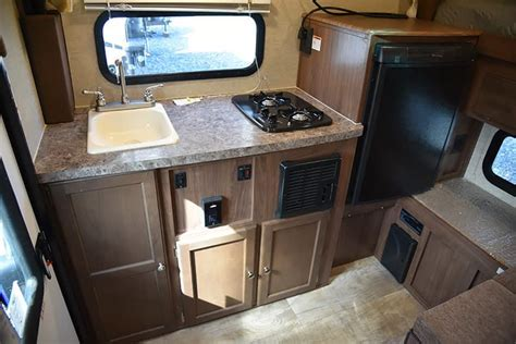 2016 Palomino SS 550 Review   Truck Camper Magazine