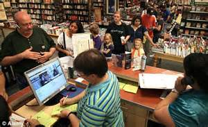barnes and noble customer service credit card details possibly stolen from 63 barnes and
