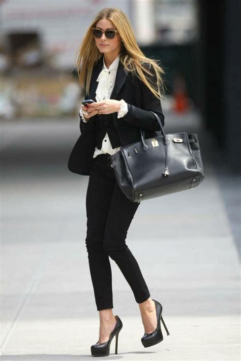 1001 id 233 es pour une tenue vestimentaire au travail