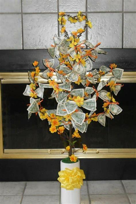 baum mit geld geldgeschenke zu weihnachten diy weihnachtsdeko ideen zenideen
