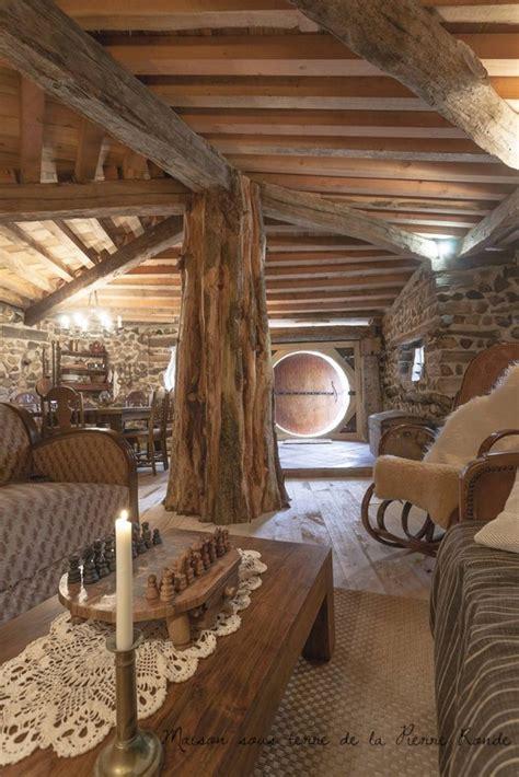 naissance du village fantastique de la pierre rondeparticipez au reve poesie en  maison