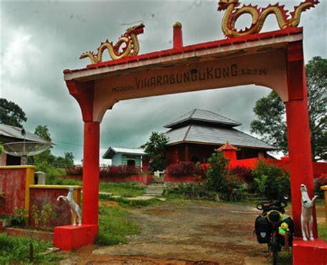 sun  kong temple  damar district belitung island