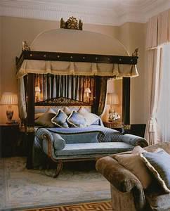 Medieval Royal Bedroomghantapic