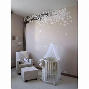 Chambre De Bébé : la chambre de b b sticker arbre les plus belles chambres de b b rep r es sur pinterest les ~ Teatrodelosmanantiales.com Idées de Décoration