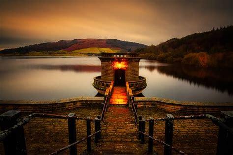 photo england derbyshire flood derwent dam derwent