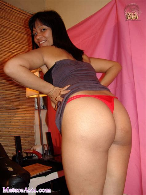 Hot Asian Milf Rose is from the Philippines with a great ass