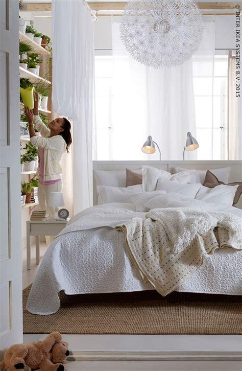le pour chambre a coucher des tons neutres et un peu de verdure pour la chambre 224 coucher ikea decor s