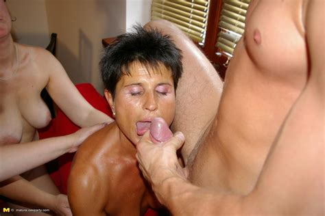 one lucky dude banging a lot of mature sluts pichunter