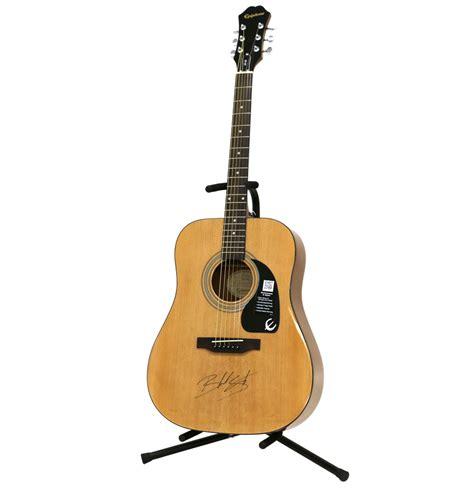 blake shelton guitar charitybuzz blake shelton autographed guitar lot 867202