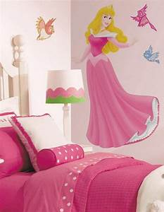 Cute girl bedroom wall design home conceptor for Cute little girl wall decals ideas
