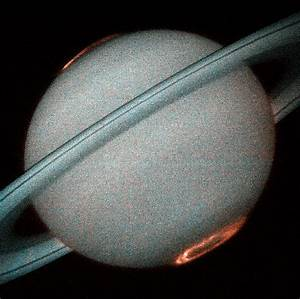 Hubble Provides Clear Images Of Saturn's Aurora | ESA/Hubble