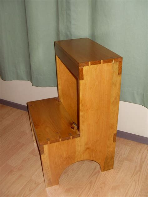 custom dovetail shaker step stool   frugal woodworker