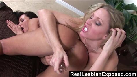 Reallesbianexposed Who Licks Better Pussy Lisa Ann Or