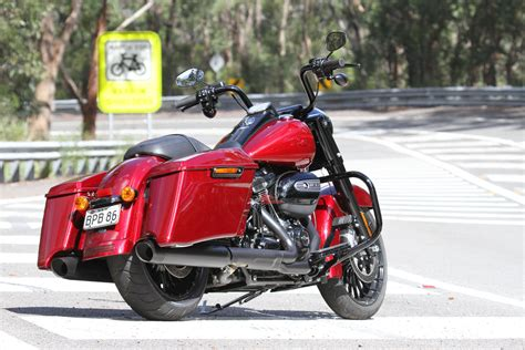 Modification Harley Davidson Road King by Review 2017 Harley Davidson Road King Special Bike Review
