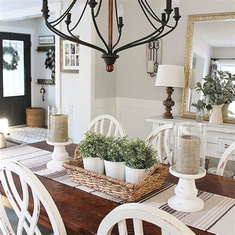 Decorating Ideas For Kitchen Dining Room by Farmhouse Style Dining Room Table And Decor Ideas 6