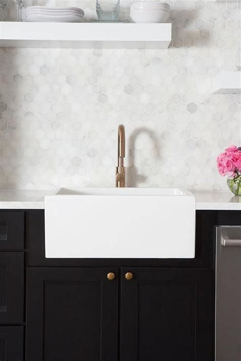 stylish hexagon tiles  kitchen walls