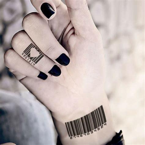 tatouages discrets  superbes  se faire sur le doigt