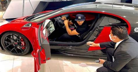 Este lunes el intérprete de 4k compartió una serie de fotografías en un dealer de miami presumiendo un bugatti chiron, un costoso carro deportivo que supera los 2.4 millones de euros. Se Revela Toda la Verdad sobre el Bugatti Chiron de el ...