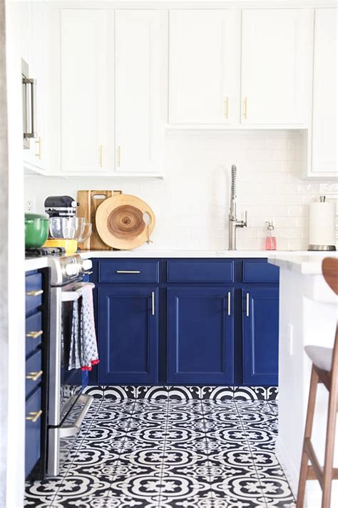 navy blue and white kitchen cabinets our navy blue and white kitchen remodel no 2 pencil