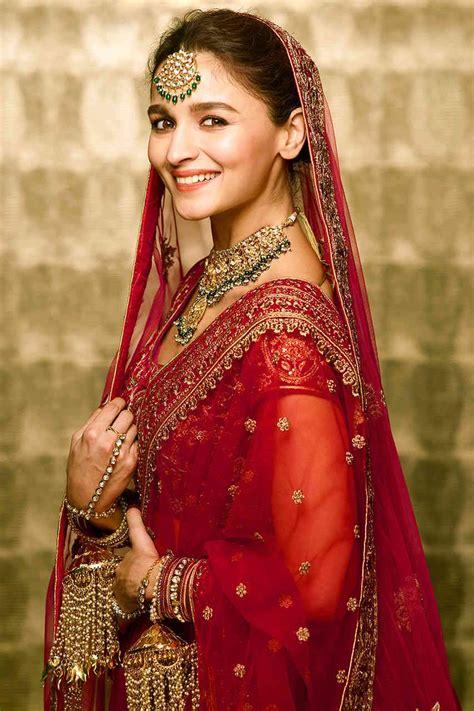 alia bhatt  beautiful ethnic red bridal velvet lehenga