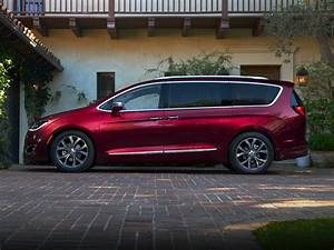 new 2018 chrysler pacifica price photos reviews With chrysler pacifica hybrid invoice price