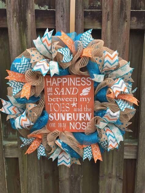 ways   wreaths  decorate  beach house