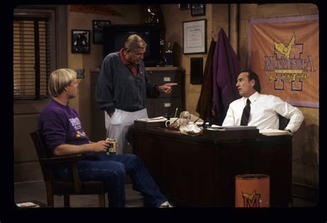 coach craig t nelson episodes the inside story on nbc s ill fated coach reboot tv insider