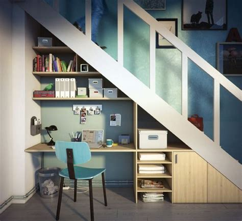 amenagement bureau sous escalier les 25 meilleures id 233 es concernant bureau sous un escalier sur espace sous les
