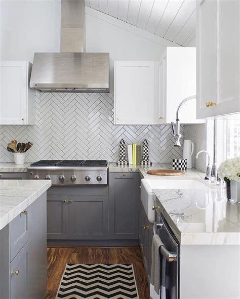gray subway tile kitchen 25 best herringbone subway tile ideas on 3936