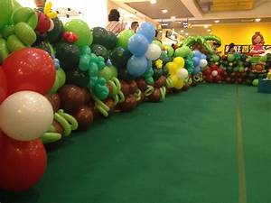 Garden Balloon Border THAT Balloons
