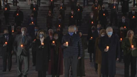 lawmakers hold moment  silence   capitol steps