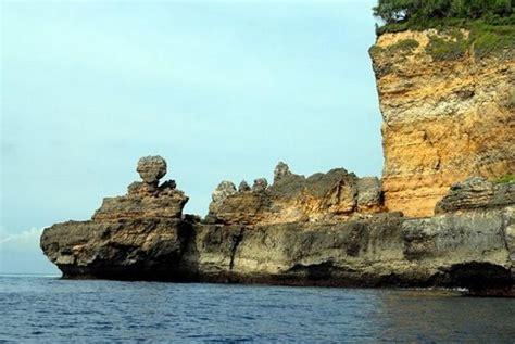 sensasi travelling  nusa barung pulau terluar indonesia