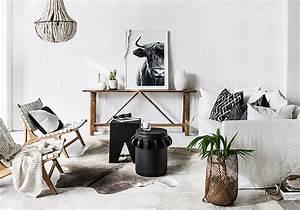 Cadre Deco Noir Et Blanc : le noir blanc s invite au salon elle d coration ~ Melissatoandfro.com Idées de Décoration