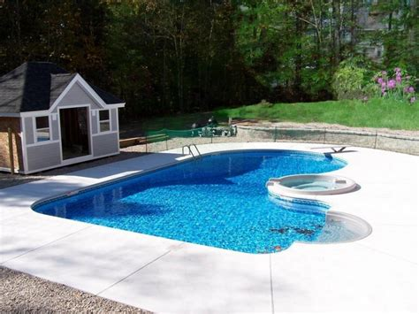 Modern Swimming Pool Designs Green Courtyard Small Jacuzzi