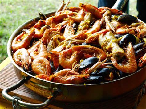 cuisiner les fruits de mer paella au poulet et aux fruits de mer cookismo recettes saines faciles et inventives
