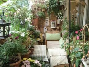 schã ner balkon chestha balkon dekor bepflanzen