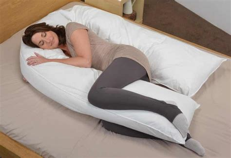 pillow for pregnancy top 5 best pregnancy pillow 2018 reviews parentsneed
