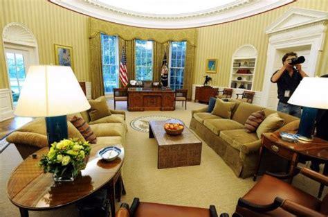 bureau ovale maison blanche obama fait écorer le célèbre bureau ovale de la maison