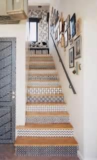 Escalier Peint En Blanc Et Taupe by Les 25 Meilleures Id 233 Es Concernant Escalier En Bois Peint