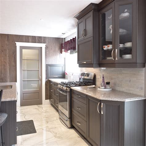cuisine en m駘amine cuisines beauregard armoires de cuisine réalisation 313 cuisine transitionnelle