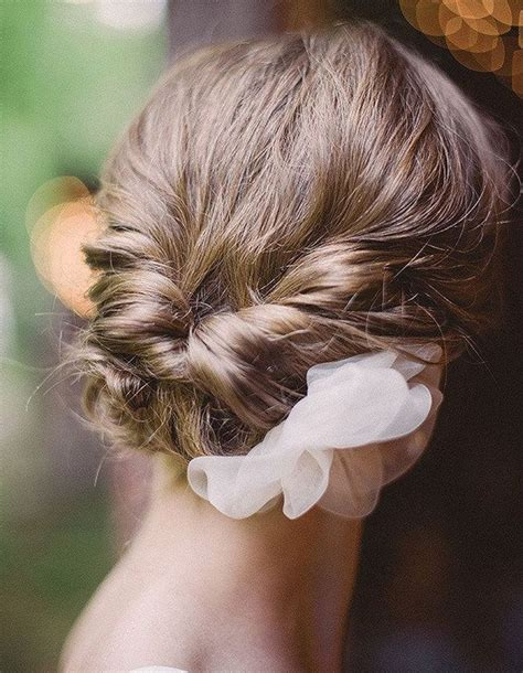 coiffure mariage cheveux court et fin chignon de mariage sur cheveux courts je veux un joli