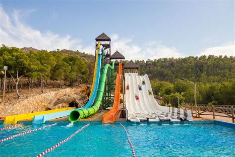 hot holidayss top ten waterparks aqualandia