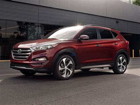 Tucson pushes the boundaries of the segment with dynamic design and advanced features. 2018 Hyundai Tucson - Price, Photos, Reviews & Features
