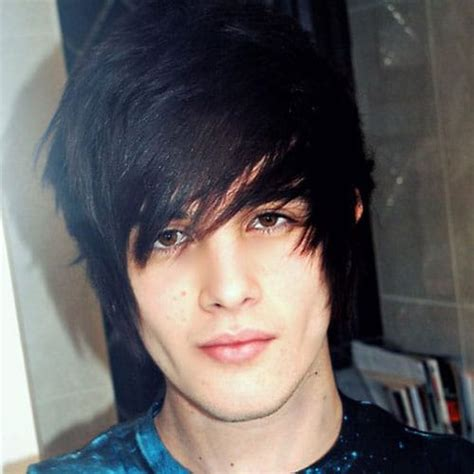 35 Cool Emo Hairstyles For Guys 2020 Guide