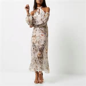 maxi dresses for weddings 10 gorgeous dresses you can wear to a wedding this season style