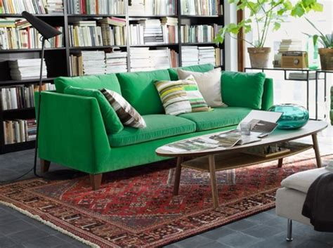 ikea canape vert les 25 meilleures idées concernant canapé vert sur