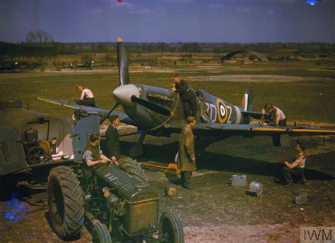 ROYAL AIR FORCE FIGHTER COMMAND, 1939-1945. (COL 191)