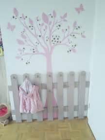 regal babyzimmer die 25 besten ideen zu kindergarderobe auf garderobe kinder garderobe für kinder
